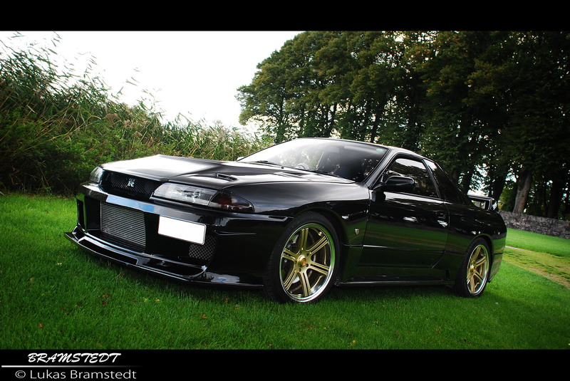 Nissan Skyline R32 GT-R V-Spec |  Lukas Bramstedt